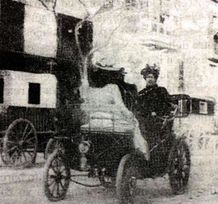 Primer coche matriculado en España