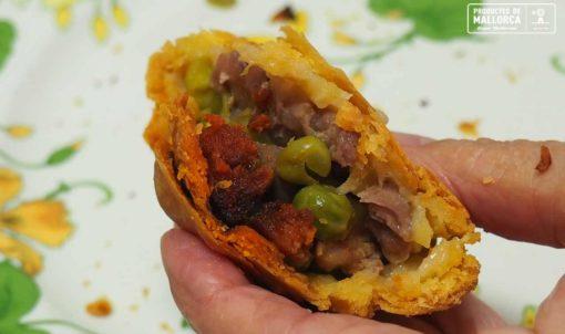 How to make Mallorcan empanadas